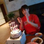 東方神起ユンホ、妹のジヘさんがインスタグラムで誕生日の様子と姪のウンチェちゃんとの写真を公開して話題に
