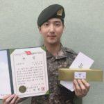 B1A4出身バロ(チャ・ソヌ)、模範勇士賞受賞し訓練所修了!