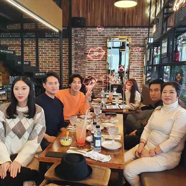 ユンホと家族