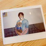 東方神起 ユンホ、友人の子犬を抱いてツーショット!日本デビュー15周年の日にはユンホ&チャンミンが日本語でファンに感謝のメッセージ