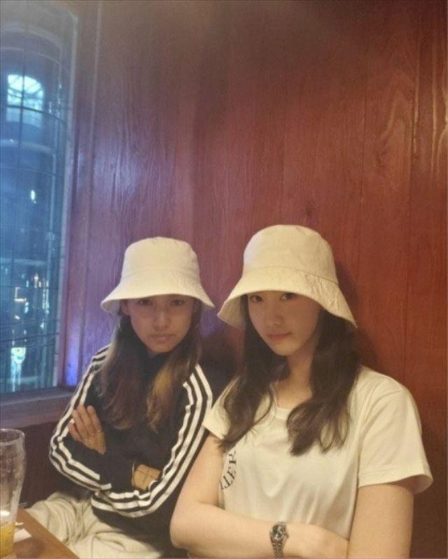 イ・ヒョリとユナ