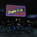 Apeace 13枚目シングル「Shake it up! -HotLips-」ミュージックビデオ公開中
